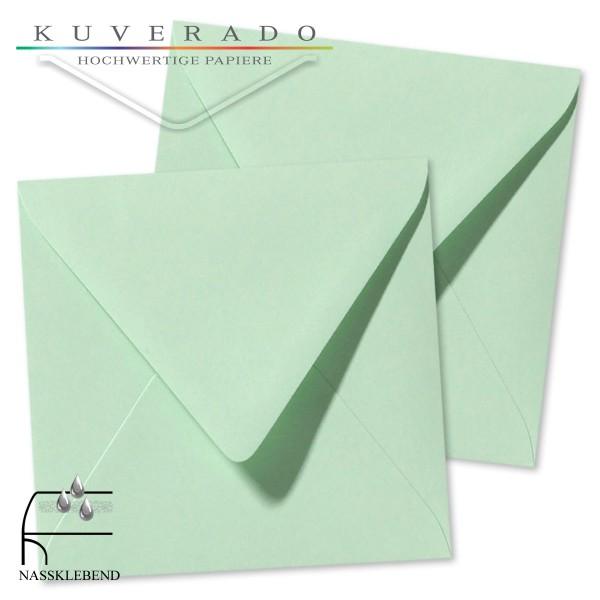 grüne Briefumschläge im Format quadratisch 160x160 mm