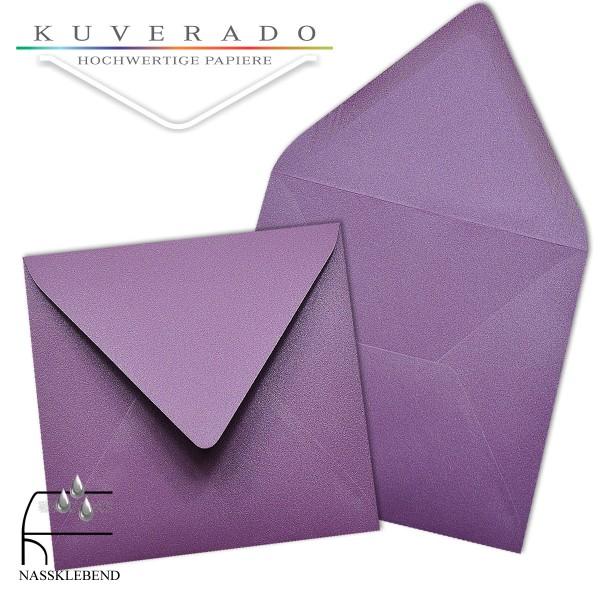 glänzende metallic Briefumschläge in lila im quadratischen Format 140 x 140 mm
