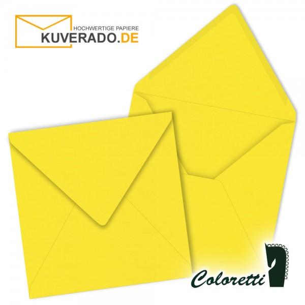 Goldgelbe Briefumschläge in quadratisch von Coloretti