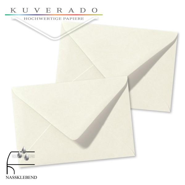 weiße Briefumschläge im Format 120 x 180 mm