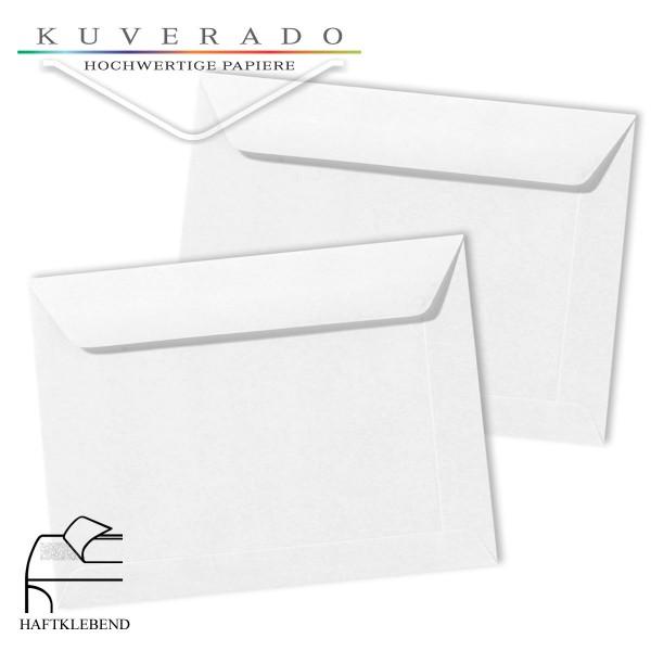 weiße Briefumschläge im Format 156 x 220 mm