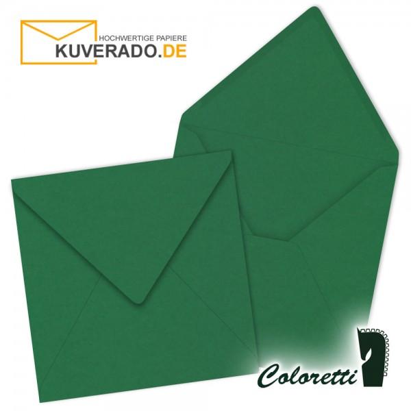 Grüne Briefumschläge in forest quadratisch von Coloretti
