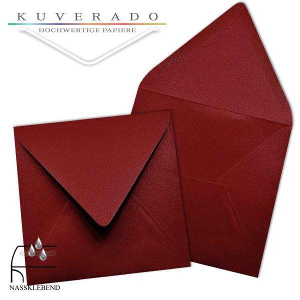 glänzende metallic Briefumschläge in dunkelrot im quadratischen Format 140 x 140 mm