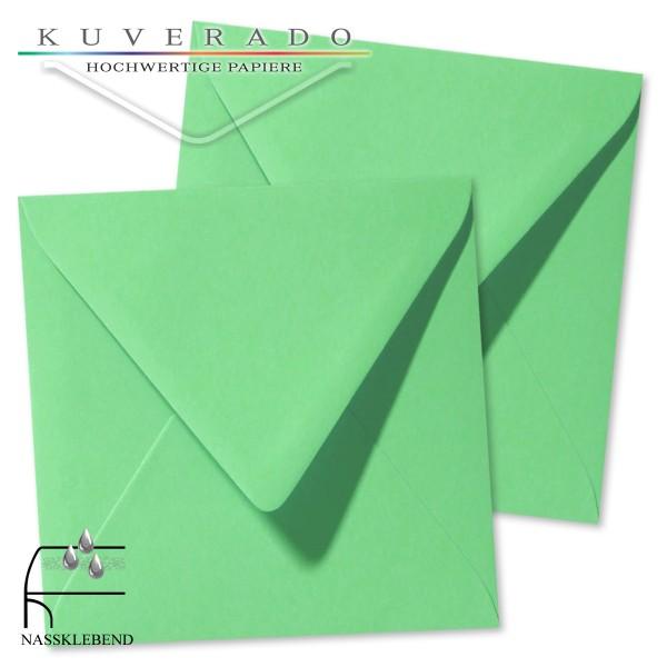 grüne Briefumschläge im Format quadratisch 140x140 mm