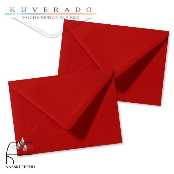 rote Briefumschläge im Format 110 x 156 mm