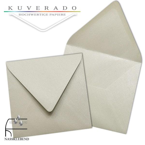 glänzende metallic Briefumschläge in platin silber im quadratischen Format 140 x 140 mm