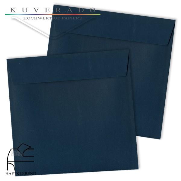 dunkelblaue Briefumschläge quadratisch